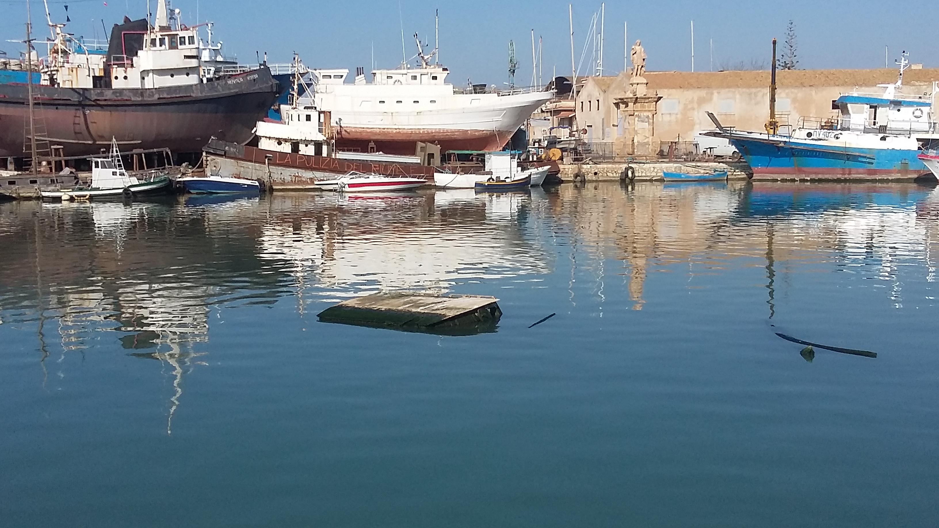 Mazara: Porto canale: Pronti un milione di euro per eliminare i detriti e i relitti causati dai nubifragi