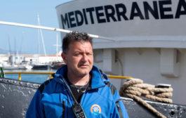 Migranti, al comando della nave Mare Jonio il mazarese Pietro Marrone