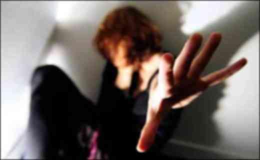 Violenza all'ex moglie, arrestato stalker