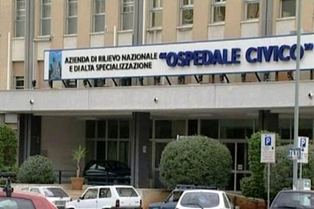 Mazara. La donna accoltellata 55 volte dal marito è stata operata, lotta tra la vita e la morte a Palermo
