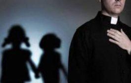 Abusi sessuali su 10 bimbi di 11 e 13 anni: ex sacerdote condannato a 20 anni di carcere