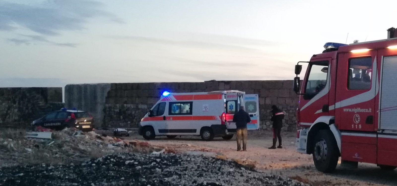 Uomo tenta suicidio al porto. Salvato dai carabinieri