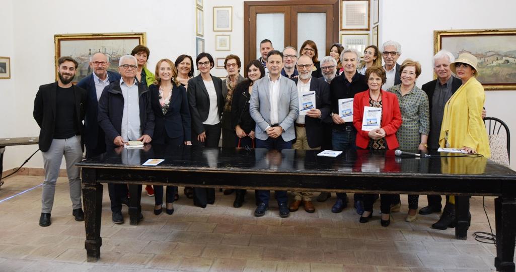 """Mazara. Antonella Mattioli con l'opera """"L'AMORE CHE NON TI MERITI"""" vince il Premio Mazara Narrativa Opera Prima"""