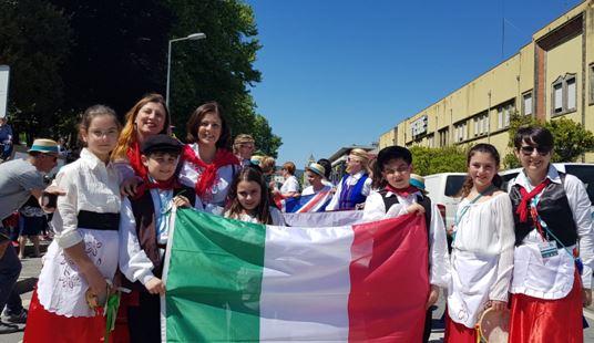 """Mazara. Il 3°circolo didattico """"B. Bonsignore"""" ha rappresentato l'Italia all'evento nazionale """"FESTA DE CRUZES"""" in Portogallo"""
