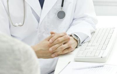 Medico arrestato per violenza sessuale avvenuta durante una visita ad una minorenne