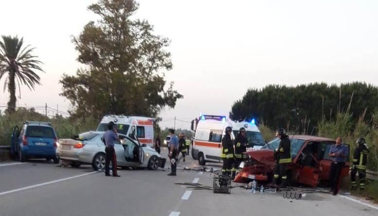 Incidente mortale all'ingresso di Tre Fontane. Tre auto coinvolte