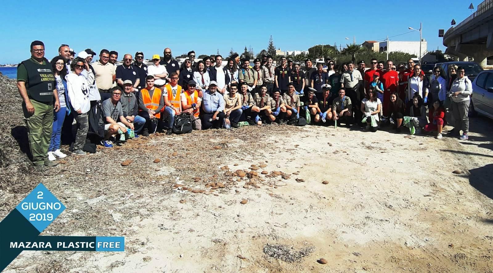 SUCCESSO DELLA MANIFESTAZIONE MAZARA PLASTIC FREE. Ripulito dalla plastica il litorale di Tonnarella