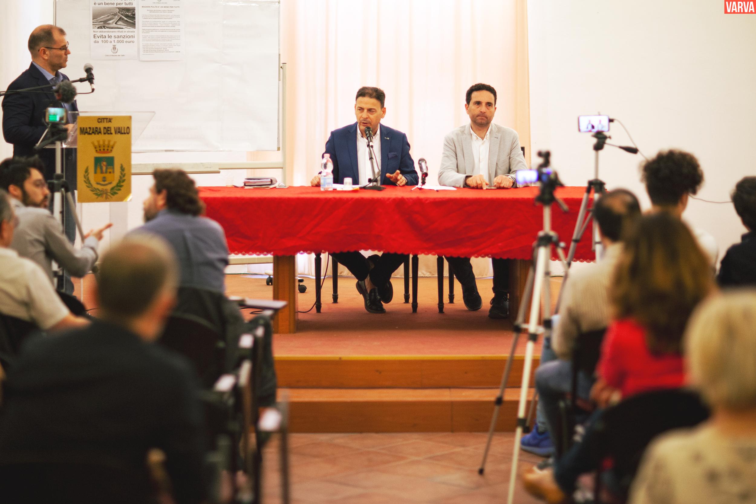 Mazara. LA CONFERENZA STAMPA DEL SINDACO QUINCI SULLE PRIME ATTIVITA' DELL'AMMINISTRAZIONE COMUNALE