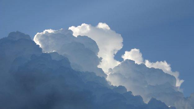 Meteo, da domani calano le temperature in Sicilia: in arrivo nuvole e pioggia