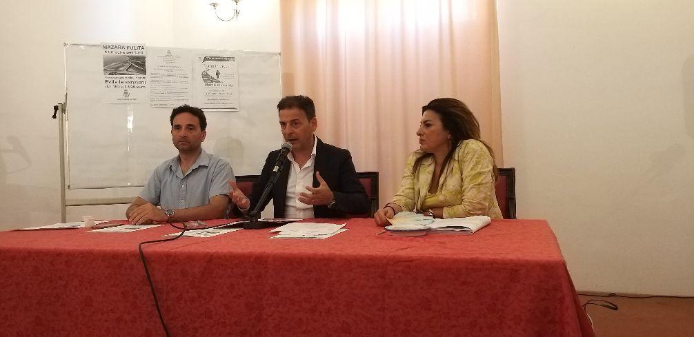 DAL COMUNE DI MAZARA, LA CONFERENZA STAMPA DEL SINDACO DOTT. SALVATORE QUINCI