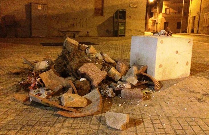 Mazara. Ferma condanna per il vile gesto di distruzione di un arredo artistico