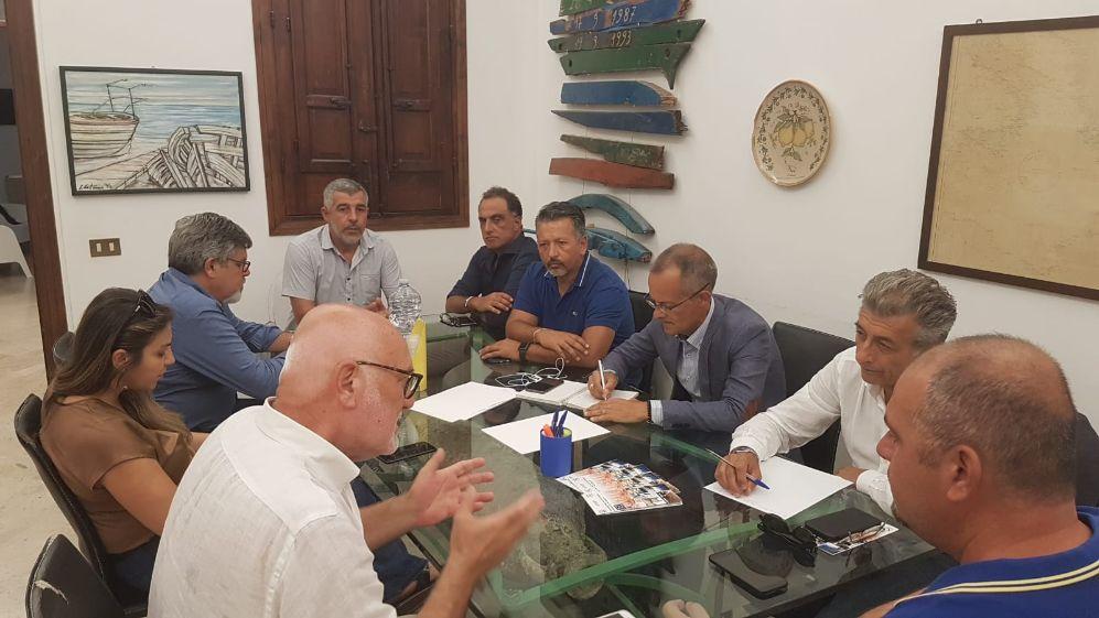 Mazara. Visita al Distretto Pesca del Segretario nazionale Fai Cisl, Silvano Giangiacomi, ed incontro con pescatori mazaresi