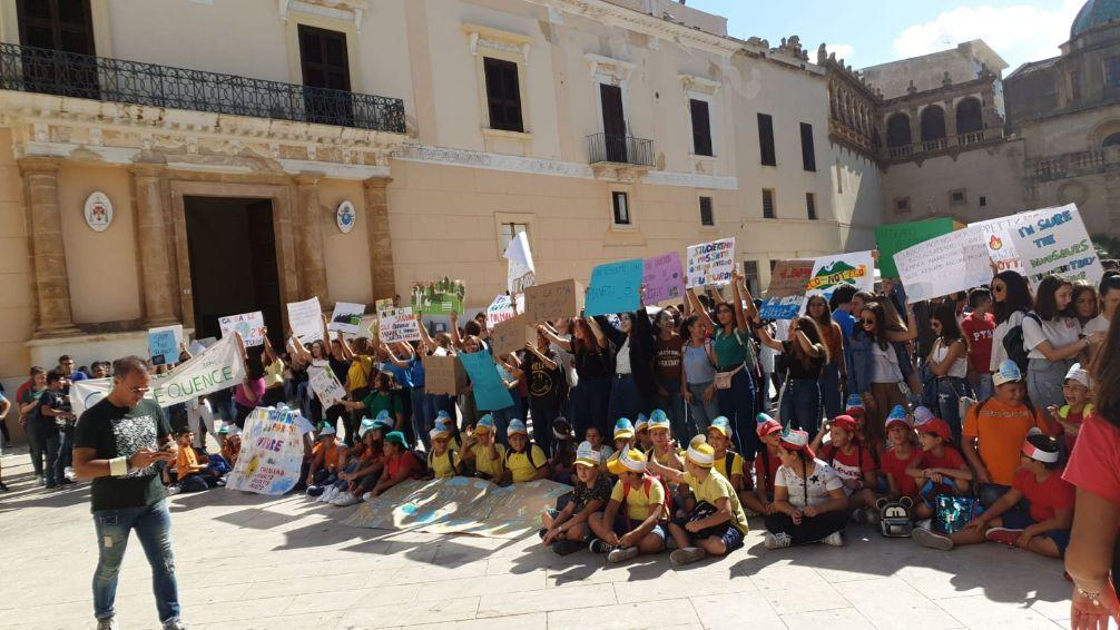 Mazara. Sciopero per il clima, studenti in piazza