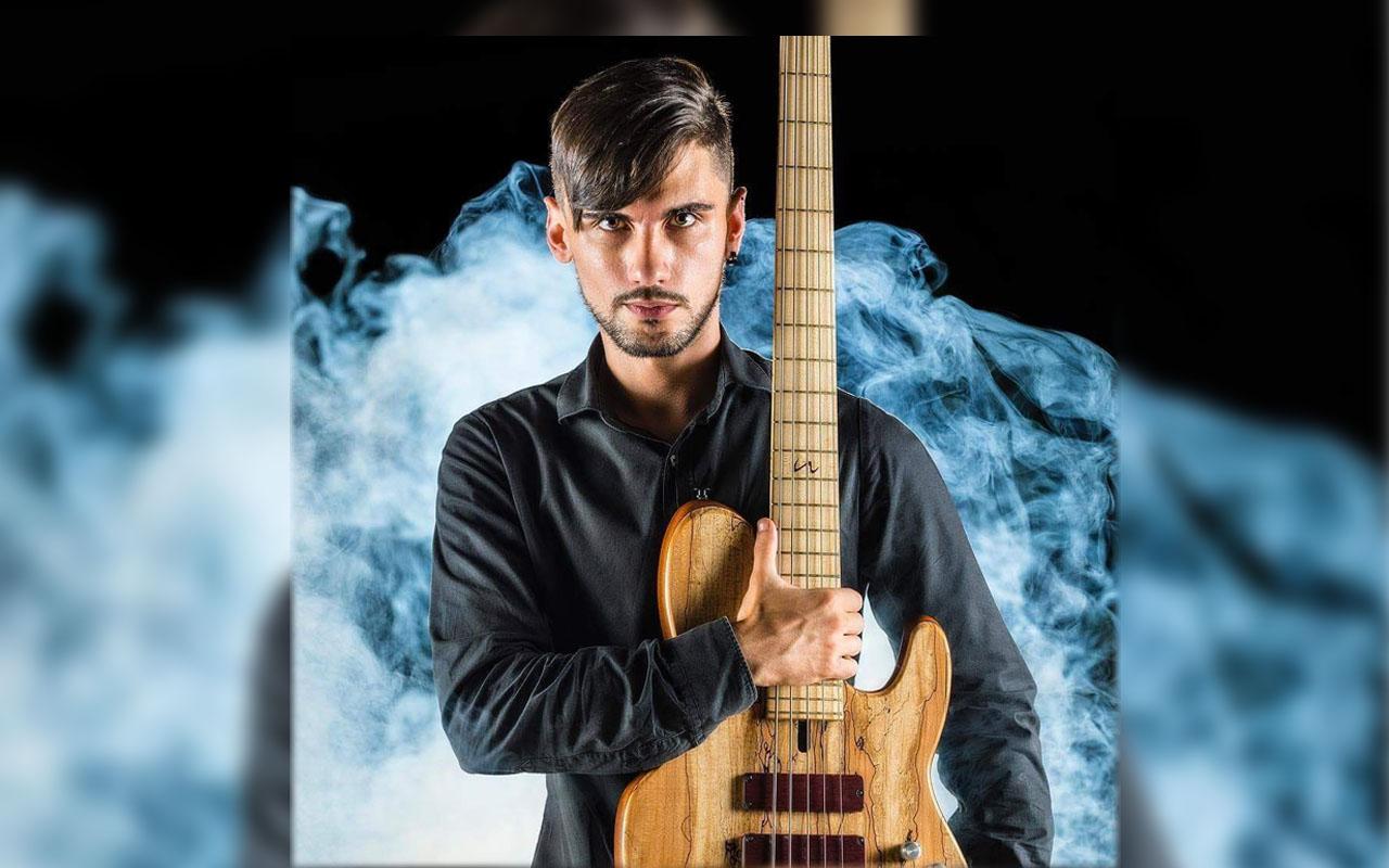 """Affermazione del bassista mazarese Leo De Santi al """"Bassist of the year Competition 2019"""""""
