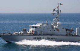 Contrabbando di sigarette: nove arresti. Sequestrato un peschereccio mazarese, uno tunisino e 6,5 tonnellate di tabacchi