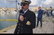 Mazara. Inizio lavori di recupero dei relitti nel porto canale. Intervista al comandante della capitaneria di porto, Cascio