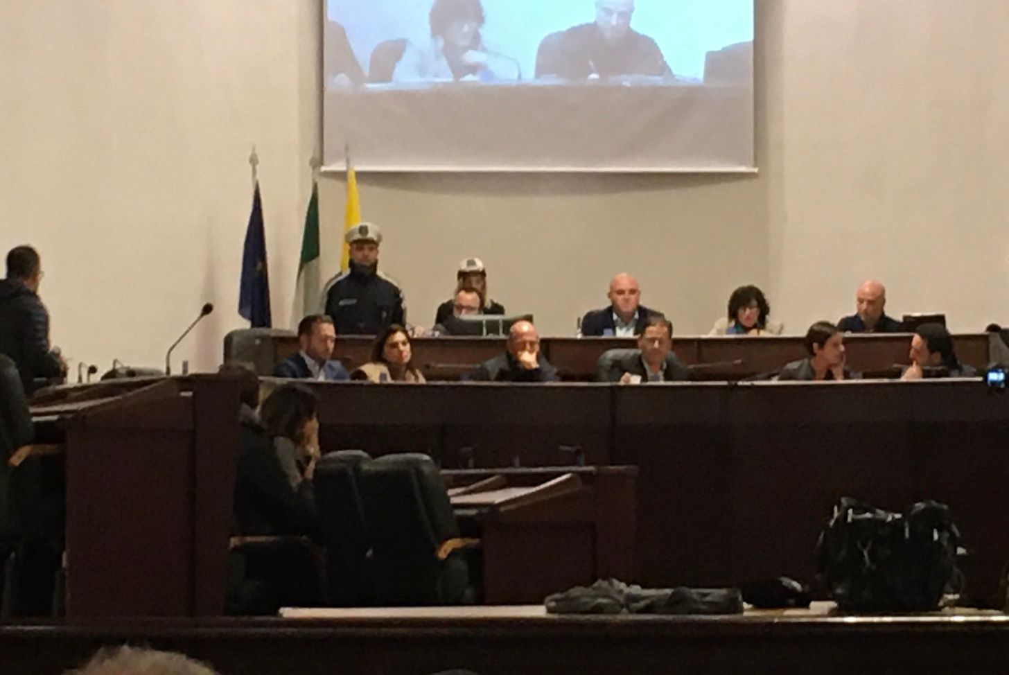Mazara, il consiglio comunale ha votato la presa d'atto sulla presunta causa di incompatibilità dei consiglieri comunali Emmola e Pipitone per presunti debiti tributari locali