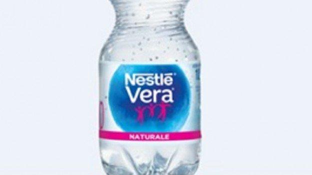 Acqua Nestlé Vera, ritirato lotto per possibile rischio batterico