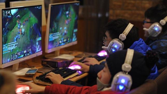 Cina, il governo stabilisce un coprifuoco sui videogiochi