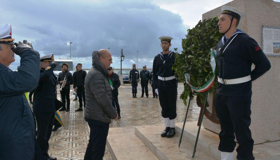 Mazara. Giornata dei Marinai scomparsi in mare: ricordate le vittime di 13 naufragi. Omaggiati inoltre i caduti di Nassiriya