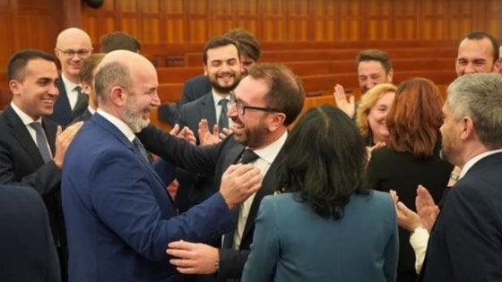 Governo, Alfonso Bonafede eletto per acclamazione capo delegazione M5S. Sostituisce Luigi Di Maio