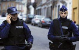 Belgio, donna accoltella due persone in strada: bloccata dalla polizia
