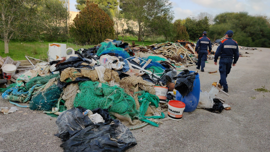 Mazara. La Capitaneria di porto sequestra un'area di oltre 40.000 m2 dove era in atto un deposito incontrollato di rifiuti