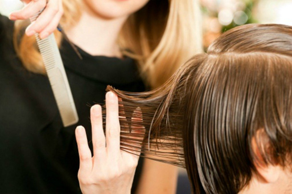 Marsala. Vietato a barbieri-parrucchieri di svolgere servizio a domicilio