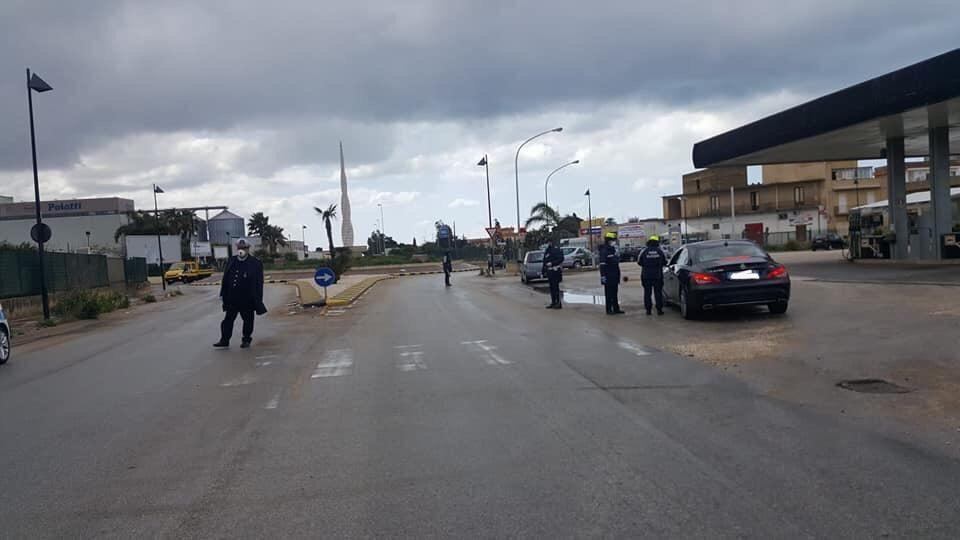 Mazara. #Iorestoacasa, proseguono i controlli della Polizia Municipale. Circa 3500 i controlli effettuati e 21 le persone denunciate