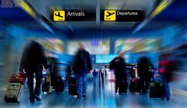 Coronavirus: Musumeci annuncia lo stop ai collegamenti con la Sicilia, restano 2 voli e un treno