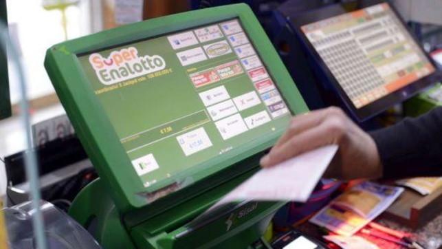 Coronavirus, stop a Lotto e SuperEnalotto