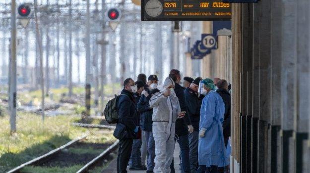 FASE 2, Passa la linea di Musumeci: niente treni in arrivo in Sicilia fino al 17 maggio
