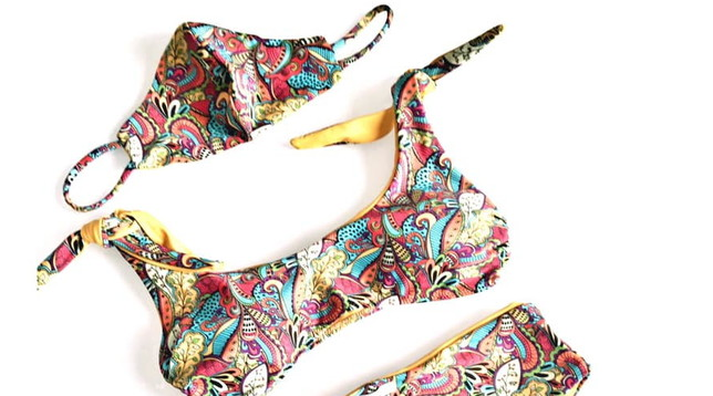 Coronavirus, arriva il nuovo trikini: il bikini con la mascherina coordinata