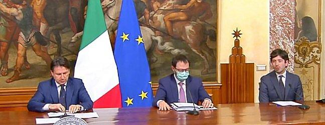 Consiglio dei ministri, via libera al decreto rilancio. Giuseppe Conte: