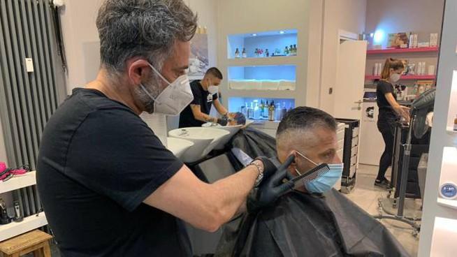 Fase 2, i parrucchieri potranno aprire anche la domenica e il lunedì