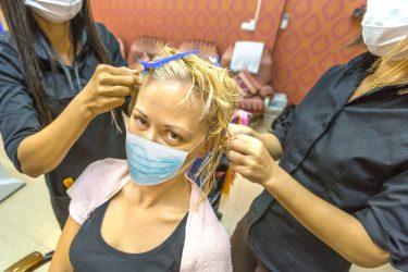 Coronavirus, riaperture: parrucchieri, bar e ristoranti in alcune regioni al via dal 18 maggio