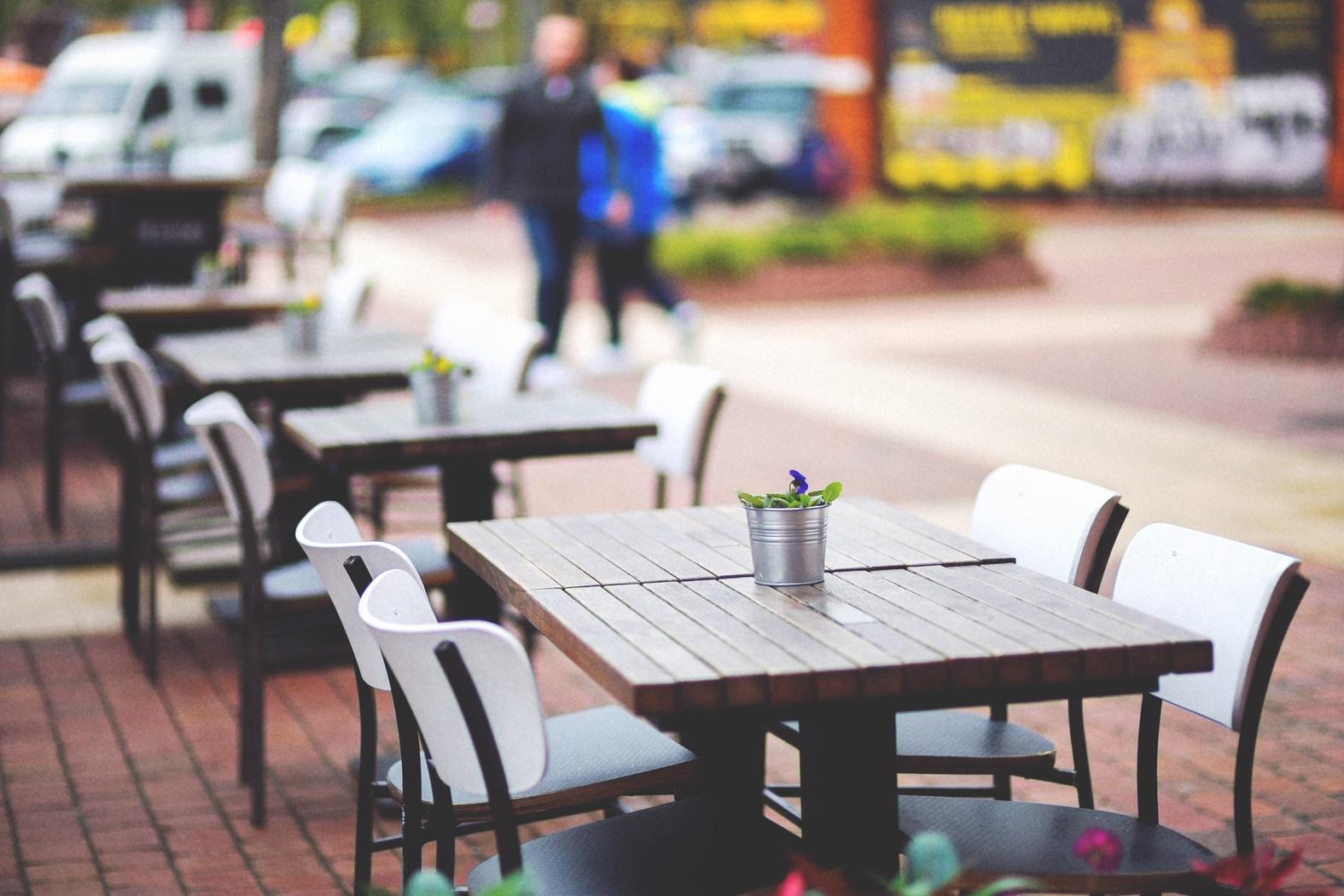 Mazara. Ampliamento e concessione spazi pubblici per ristorazione, gelaterie e pasticcerie, bar ed esercizi similari. Le domande entro il 31 maggio