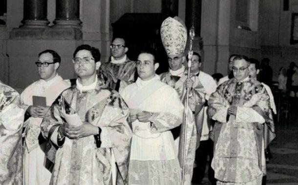 """Mazara. 50 ANNI DI SACERDOZIO PER MONSIGNOR DOMENICO MOGAVERO. IN DIOCESI NASCE IL PROGETTO """"OPERATORI DI PACE"""""""