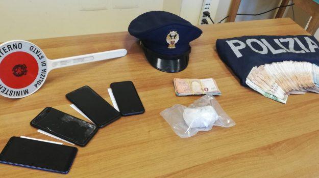 In auto da Mazara a Palermo con cocaina e 8mila euro, arrestati 4 mazaresi