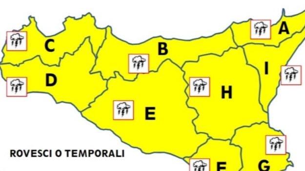Maltempo, domani allerta gialla in tutta la Sicilia