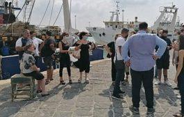 Mazara, i familiari dei pescatori sequestrati in Libia: