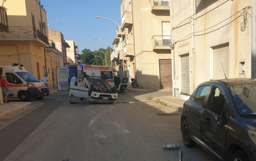 Mazara, Incidente rocambolesco coinvolge tre auto