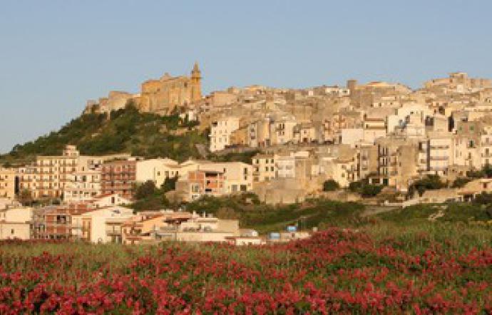 Covid, altre due zone rosse in Sicilia: lockdown a Sambuca e Mezzojuso
