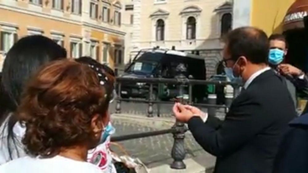 Roma. Visita del ministro Bonafede ai familiari dei pescatori mazaresi