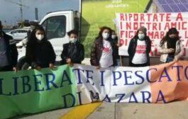 Mazara. Continua la protesta dei familiari dei 18 pescatori sequestrati in Libia