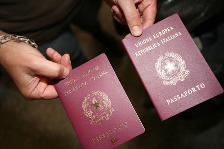 Covid: boom di richieste in Usa per il passaporto italiano