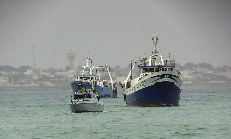 """Mazara. La denuncia dei pescatori: """"Siamo stati pestati a sangue. Sentivamo torturare i detenuti"""""""