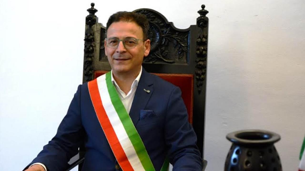 Mazara. Indignazione del sindaco Quinci per le scritte ignobili sui muri del plesso scolastico Rizzo Marino