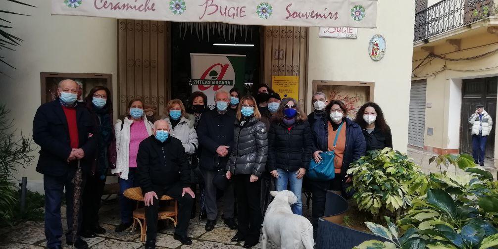 L'Anteas di Mazara dona buoni spesa a 18 famiglie in difficoltà: più solidali e meno soli