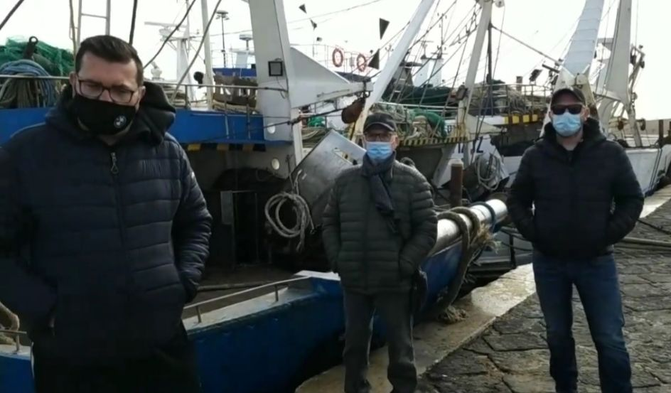 Peschereccio mazarese soccorre imbarcazione tunisina. Intervista video all'equipaggio del Nuovo Lorenzo